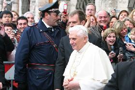 <!--:es-->BENEDICTO XVI SALE EN DEFENSA DE LA DIGNIDAD INVIOLABLE DE LOS DISCAPACITADOS.- Mensaje pontificio a la Campaña Anual de Fraternidad de Brasil<!--:-->