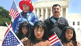 """<!--:es-->""""NACIDO EN USA: NO SE LLEVEN A MI MAMÁ Y A MI PAPÁ""""<!--:-->"""