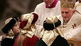 <!--:es-->EL PAPA ORA EN ENERO POR LA ACOGIDA CRISTIANA DE LOS EMIGRANTES.-  Doscientos millones de personas en el mundo<!--:-->