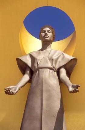 <!--:es-->EN EL CAMINO REAL HACIA DIOS.- La nueva Catedral de Nuestra Señora de los Angeles abre sus puertas al público<!--:-->