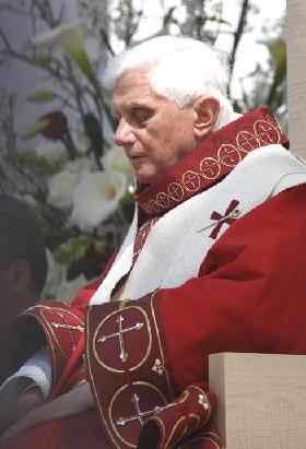 <!--:es-->BENEDICTO XVI RECIBE A UN GRUPO DE VÍCTIMAS DE ABUSOS SEXUALES DE SACERDOTES<!--:-->