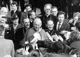 <!--:es-->PENSAMIENTOS DE JUAN PABLO II.- Una coleccción de frases pronunciadas por Juan Pablo II que nos enseñan la verdad sobre distintos temas.<!--:-->