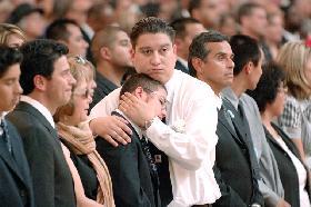 <!--:es-->LA PARTIDA DE UN LEGÍTIMO LÍDER.- Fallece Miguel Contreras, el hijo de un inmigrante campesino que se convirtió en uno de los dirigentes sindicales más destacados en Los Angeles y en la nación<!--:-->