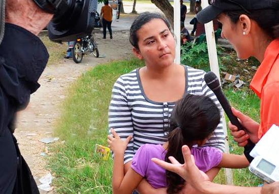 """<!--:es-->DETENIDOS Y DEPORTADOS: ASÍ TERMINA EL """"SUEÑO AMERICANO"""" PARA MILES DE MADRES Y NIÑOS<!--:-->"""