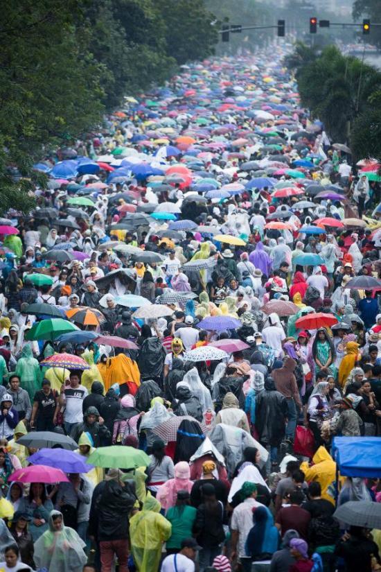 <!--:es-->¡PAPA FRANCISCO Y FILIPINAS HACEN HISTORIA! ENTRE 6 Y 7 MILLONES DE PERSONAS EN MISA FINAL<!--:-->