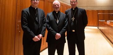 Obispos Auxiliares electos: (De izquierda a derecha) Robert Barron, David O'Connell y Joe Brennan.