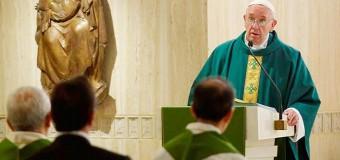 <!--:es-->PAPA FRANCISCO: ES TRISTE VER A SACERDOTES Y OBISPOS APEGADOS AL DINERO<!--:-->