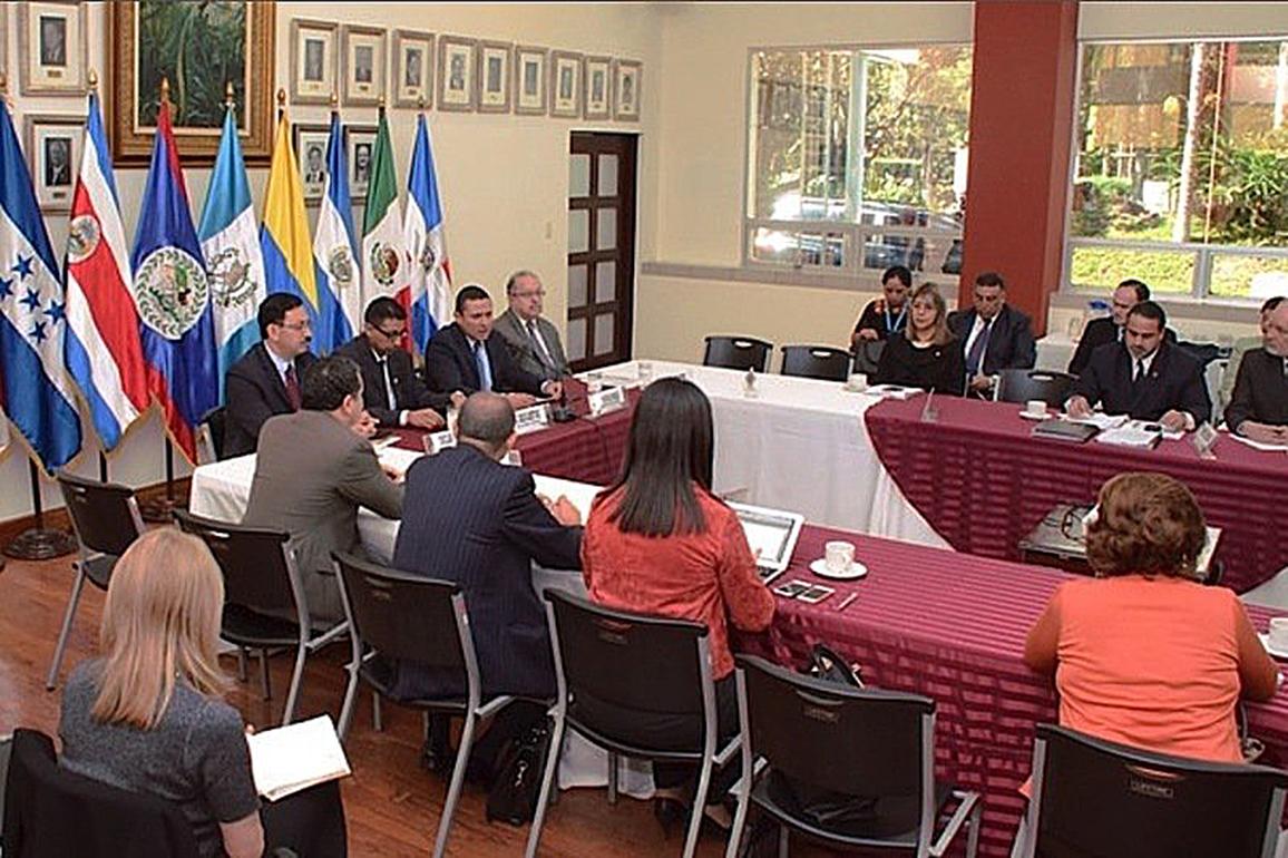 <!--:es-->ENCUENTRAN UNA SALIDA A LA CRISIS DE LOS MIGRANTES CUBANOS<!--:-->