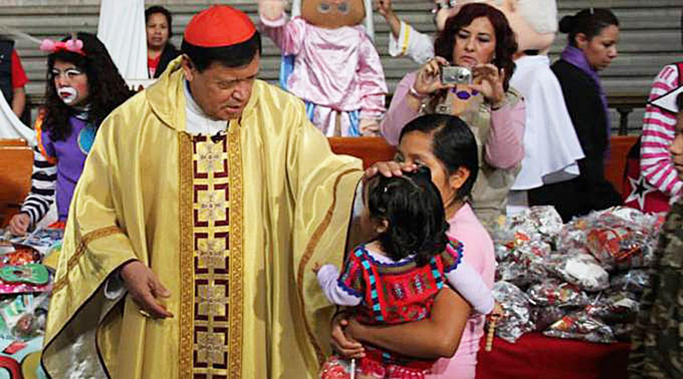 <!--:es-->MÉXICO: CARDENAL RIVERA RECUERDA QUE LA FAMILIA ES UN PROYECTO DIVINO Y NO INVENTO HUMANO<!--:-->
