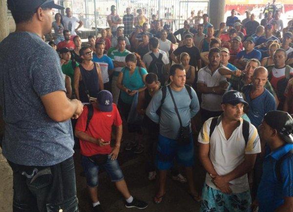 ESTADOS UNIDOS: OBISPO PIDE AYUDA PARA ATENDER A CUBANOS MIGRANTES