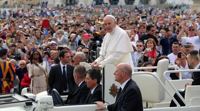 PAPA FRANCISCO: ¿ERES COMO EL FARISEO CORRUPTO, SOBERBIO E HIPÓCRITA DEL EVANGELIO?
