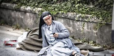 LA HISTORIA DE LA FOTO DE LA MONJA QUE SOBREVIVIÓ AL TERREMOTO EN ITALIA