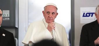 RUEDA DE PRENSA DEL PAPA FRANCISCO EN EL VUELO DE CRACOVIA A ROMA