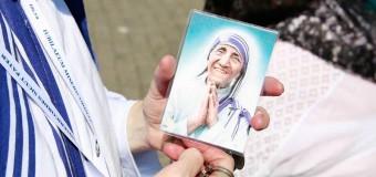 ¿CÓMO CONSEGUIR UNA RELIQUIA ORIGINAL DE LA MADRE TERESA DE CALCUTA? SIGUE ESTOS PASOS