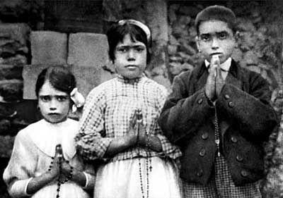 """HACE 99 AÑOS OCURRIÓ EL """"MILAGRO DEL SOL"""" DE LA VIRGEN DE FÁTIMA"""