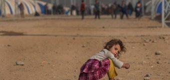 MILES DE CIVILES ESCAPAN ANTE COMBATES PARA EXPULSAR DE IRAK AL ESTADO ISLÁMICO