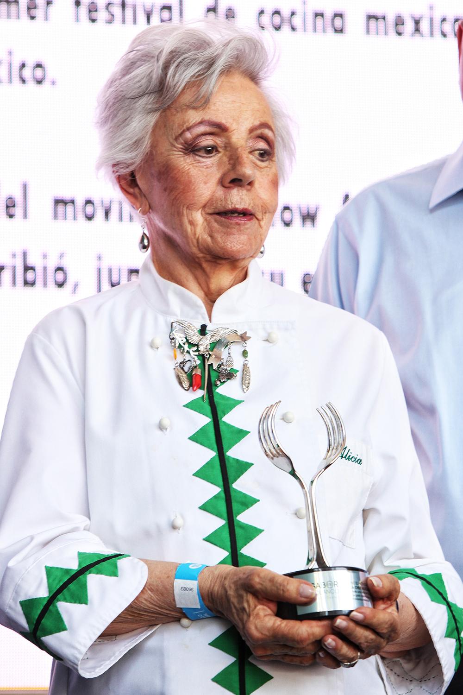 LA COCINA MEXICANA, LINAJE FEMENINO