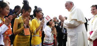 EL PAPA FRANCISCO YA ESTÁ EN MYANMAR Y DA INICIO A SU VIAJE APOSTÓLICO