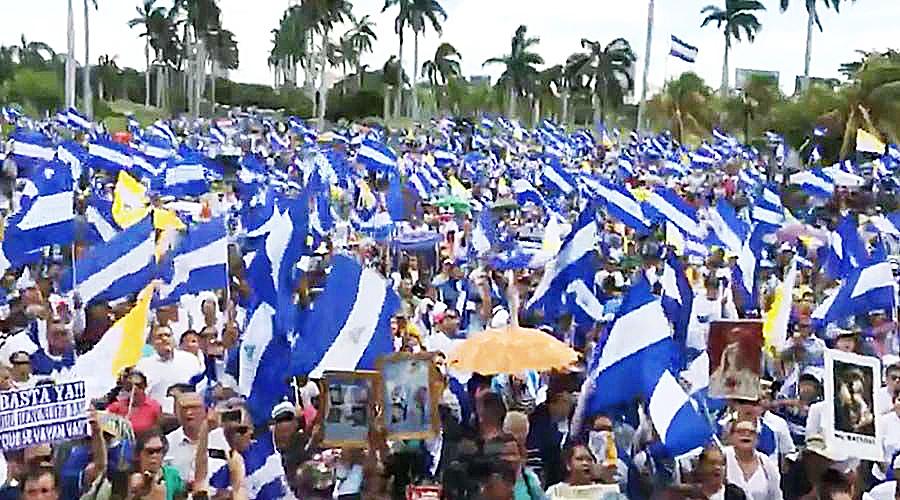 MILES MARCHAN EN APOYO A LA IGLESIA EN NICARAGUA