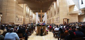 DOMINGO DE RESURRECCIÓN EN LA CATEDRAL DE NUESTRA SEÑORA DE LOS ÁNGELES