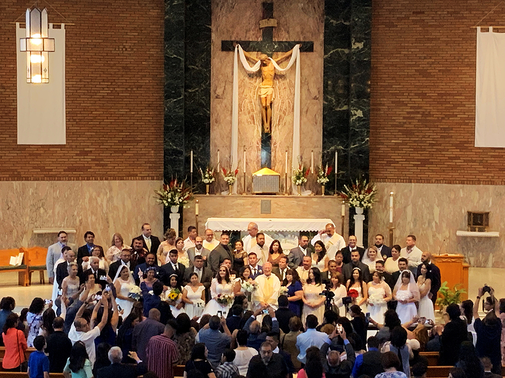 SE REVELA LA GRACIA DIVINA EN 30 NUEVOS MATRIMONIOS CATÓLICOS