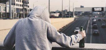 ¿POR QUÉ LOS MENORES DE HOY ESTÁN EN MAYOR RIESGO DE SUICIDARSE?