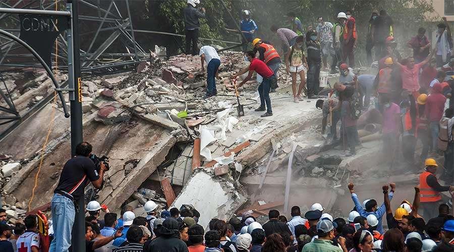 IGLESIA EN MÉXICO RECUERDA EN SUS PLEGARIAS A FALLECIDOS DE SISMOS DE 1985 Y 2017