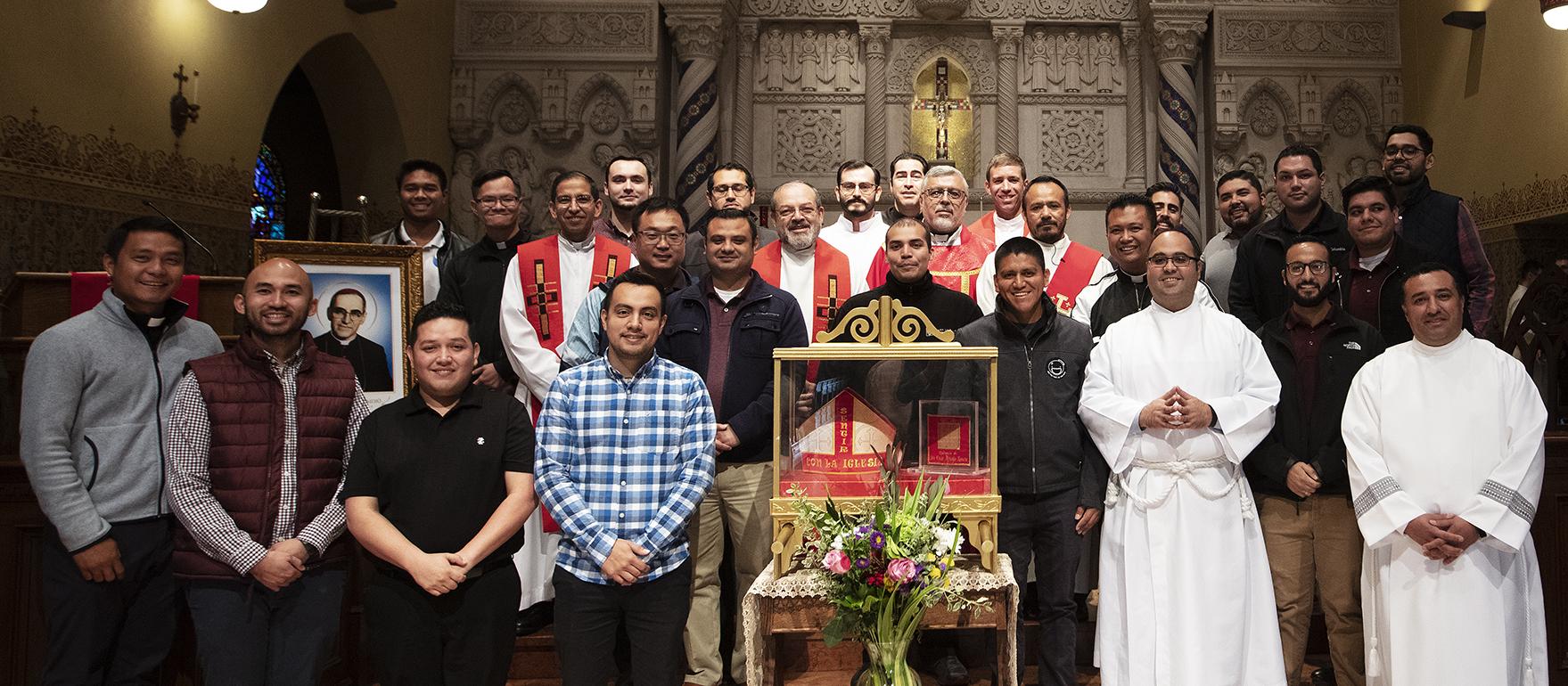 'SAN ROMERO VIVIÓ HACIENDO LA VOLUNTAD DE DIOS'