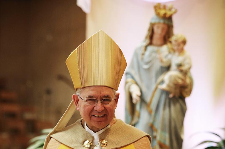 MADRE DE LA IGLESIA Y MADRE NUESTRA  Por Monseñor JOSÉ H. GOMEZ