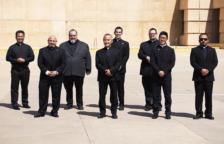 DISCÍPULOS MISIONEROS EN UNA IGLESIA EN PANDEMIA Por Monseñor José H. Gomez
