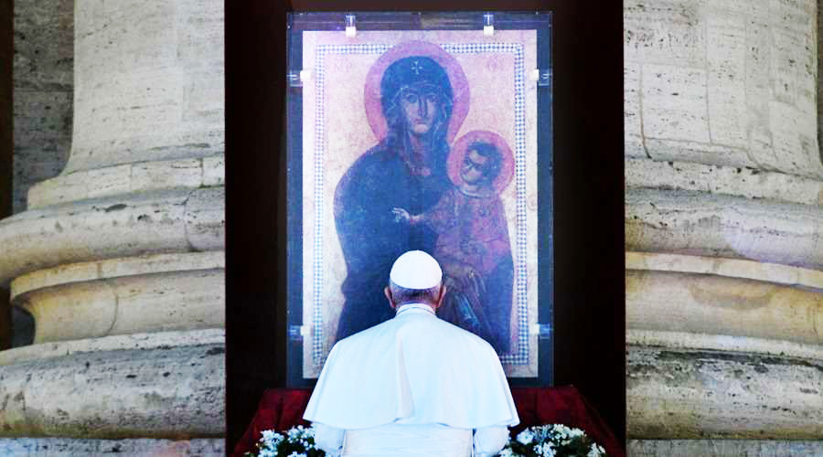EL PAPA INVITA A IMITAR EJEMPLO DE LA VIRGEN MARÍA PARA DIFUNDIR AMOR DE DIOS