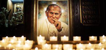 "PAPA FRANCISCO: JUAN PABLO II, SANTO ""DE PROFUNDA ESPIRITUALIDAD"""