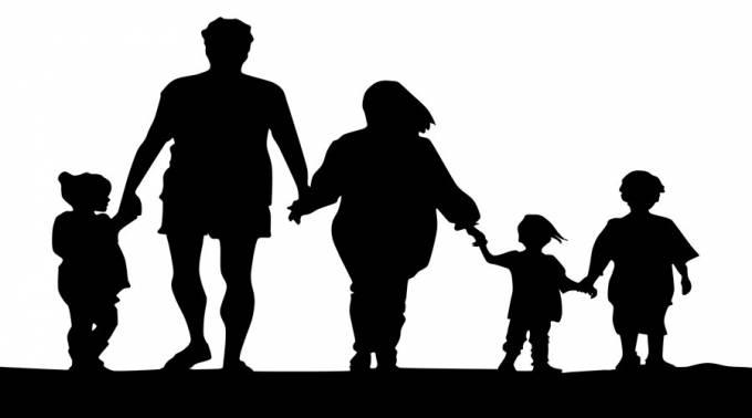 """""""LA FAMILIA CONSTITUYE LA PRIMERA COMUNIDAD EDUCADORA"""", RECUERDAN"""