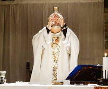 COVID-19: CORTE SUPREMA ELIMINA PROHIBICIÓN AL CULTO RELIGIOSO EN IGLESIAS DE CALIFORNIA