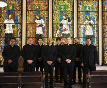 SACERDOTES DEL NUEVO DESPERTAR    Por Monseñor JOSÉ H. GOMEZ