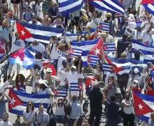 """PAPA FRANCISCO PIDE """"PAZ, DIÁLOGO Y SOLIDARIDAD"""" PARA CUBA"""